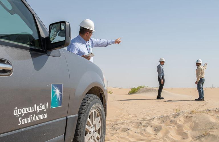 أرامكو السعودية تطور تقنية تحد من الأثر البيئي لحركة مركباتها في الطرق غير الممهدة