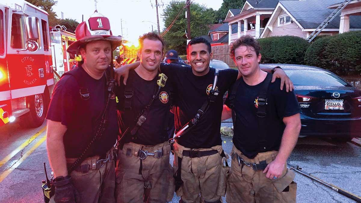رجال الإطفاء في الشركة يخوضون غمار برنامج تدريبي شاق بعيدًا عن الوطن