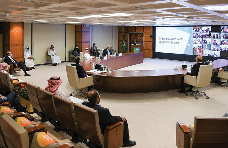 متابعة أعمال التنسيق والتكامل في قمة قيادية لأرامكو السعودية وسابك