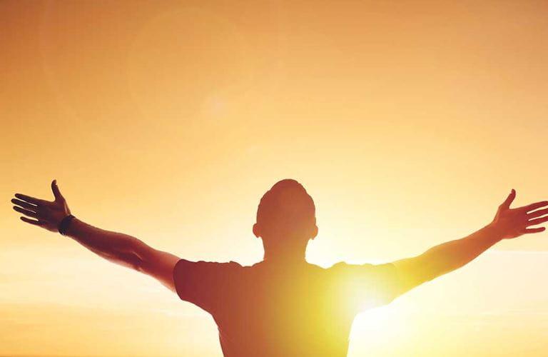 الامتنان والتفكير الإيجابي يساعدان على المضي قُدمًا خلال الجائحة