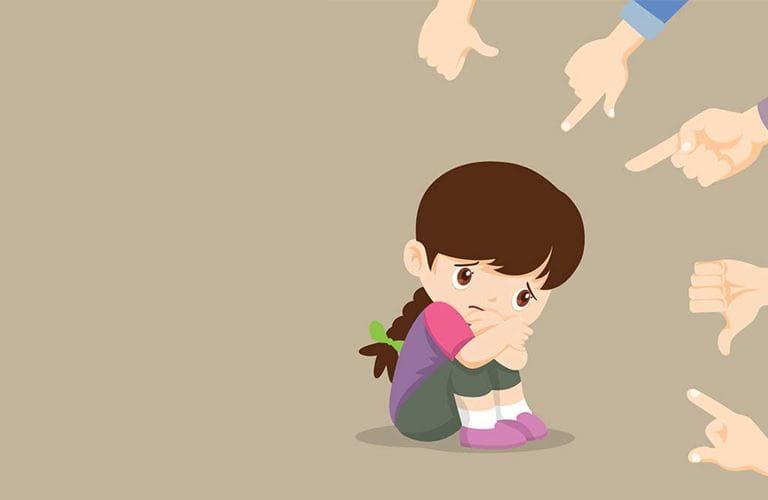 استشارية طب الأسرة: التنمر هادمٌ للثقة.. كونوا قدوة لأبنائكم ولا تحرضوهم عليه