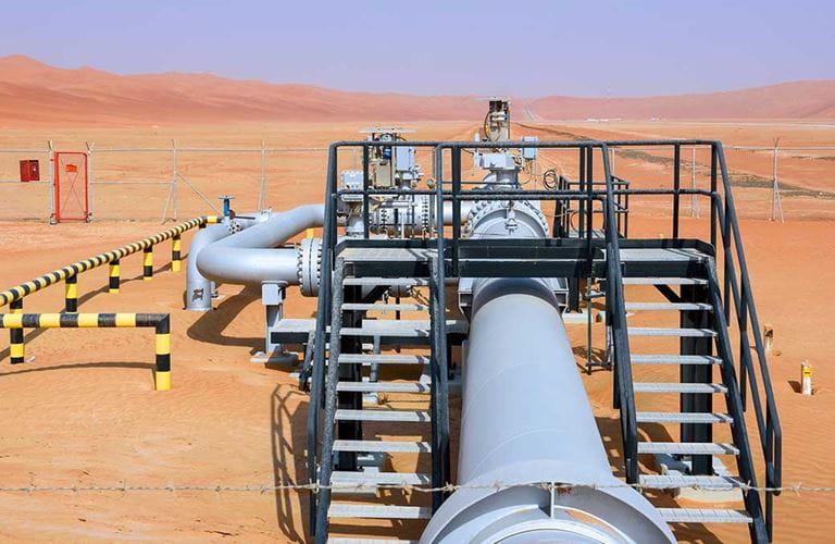 أعمال خطوط الأنابيب.. إدارة شرايين الطاقة ورعاية البيئة