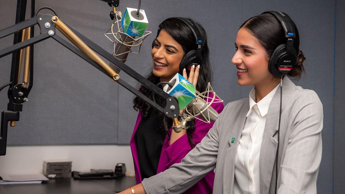 إذاعة أرامكو السعودية تكمل 64 عامًا من البث وتصل إلى مليون مستمع