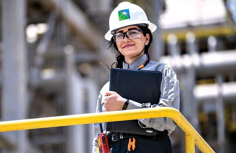 تعزيز تمكين المرأة في ميادين العمل