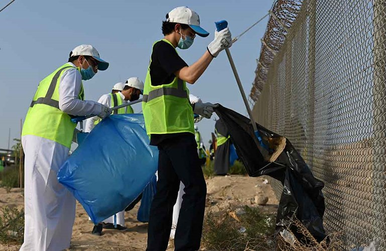 Ithra drives cleanup effort on World Environmental Day